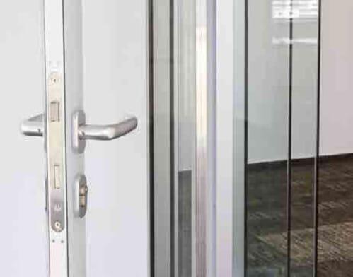 Drzwi i akcesoria 12